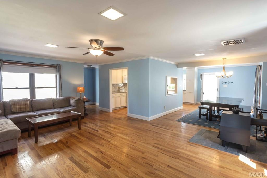Beautiful Hardwood Floors thoughout this home.